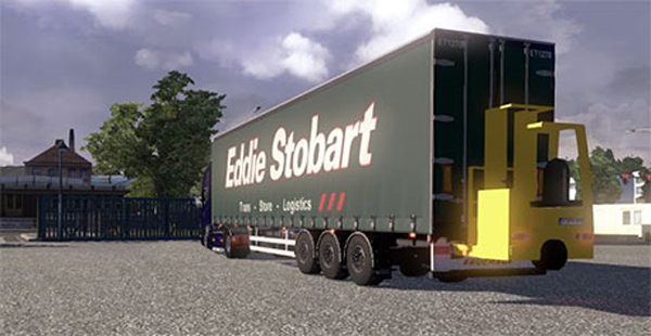 Curtainside trailer with Forklift