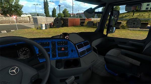 Mercedes Actros 2009 blue interior